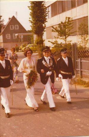 046 -- 1976 Koenig Tonis Hunold