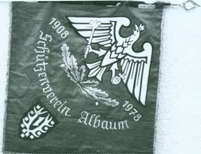 26-Fahne neu vorne